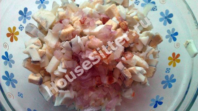 Начинка для блинов из яйца и лука