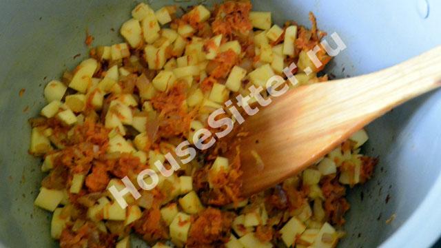 Прогретые овощи и рис в мультиварке