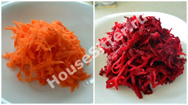 Натертая морковь и свекла