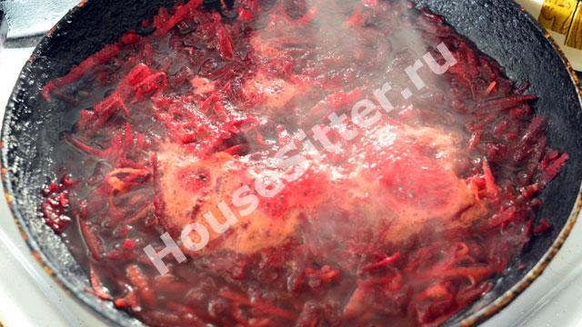 Блюдо приобретает красный оттенок