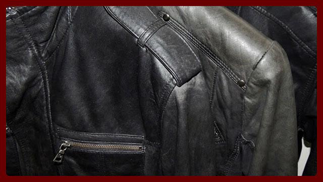 Кожаные куртки на плечиках